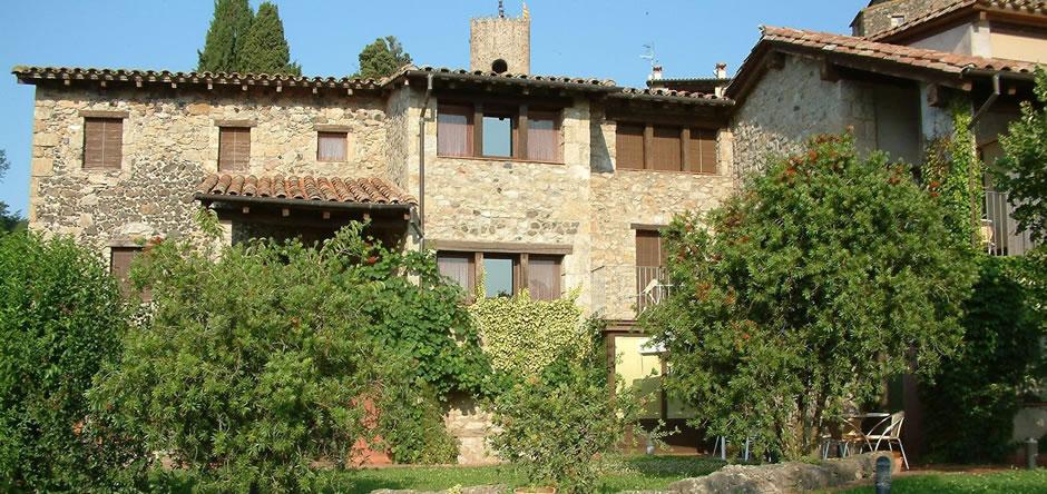 Hotel Cal Sastre, allotjament amb encant a Santa Pau, al cor de la Garrotxa